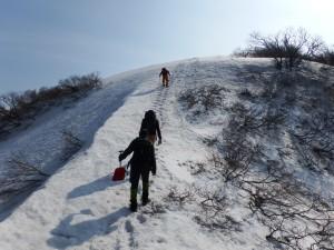 ここを登ると金北山はもうすぐ