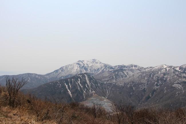 ドンデン高原からの金北山