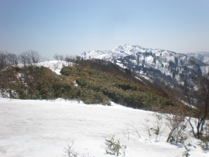 マトネから金北山を望む