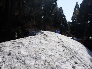 和木登山口の残雪