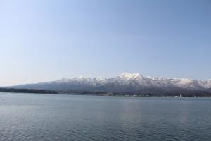 金北山・妙見山を望む